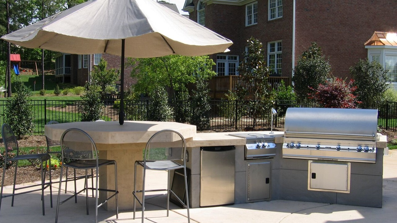 Outdoor Kitchen1