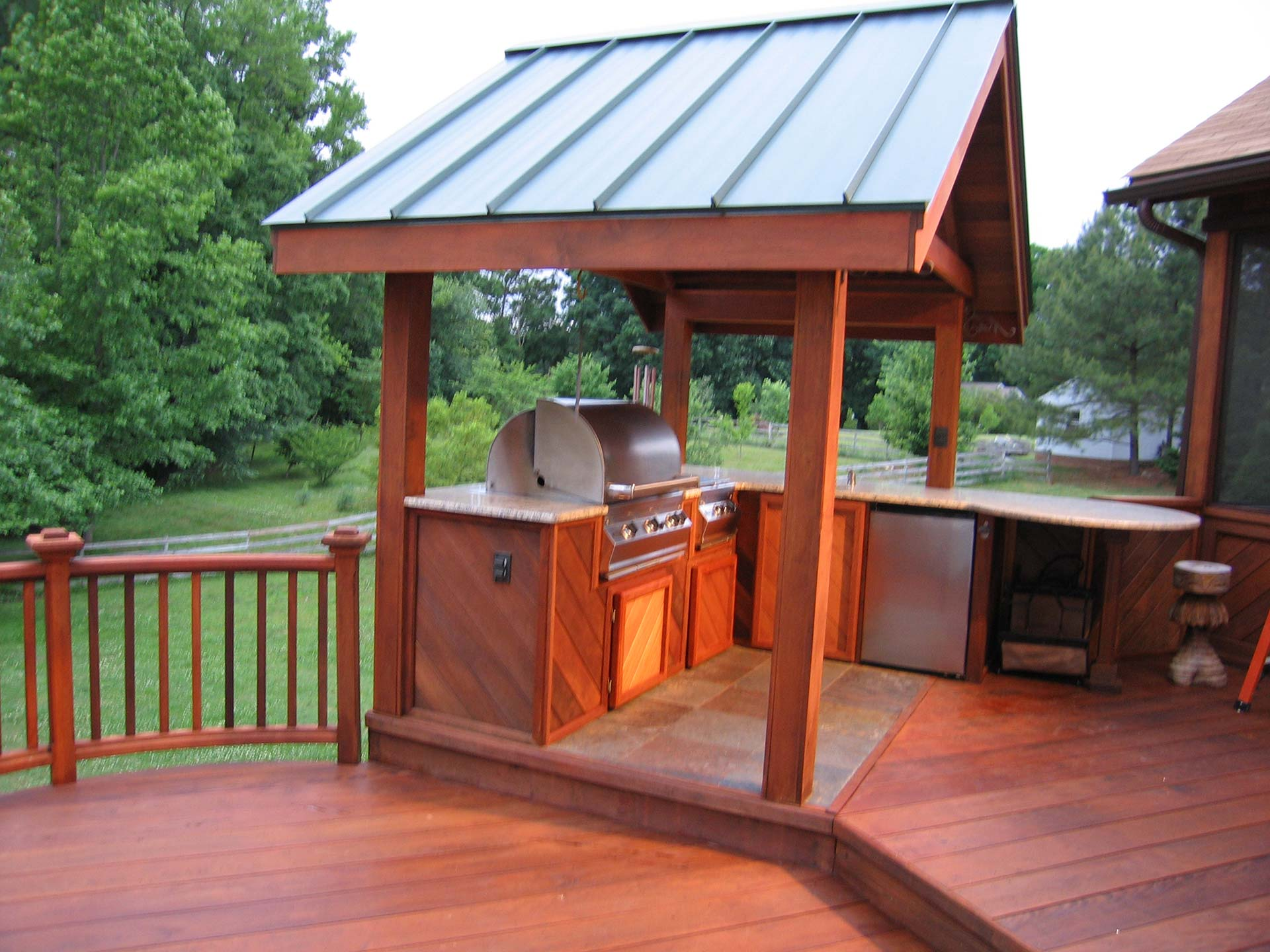 Yard structures for Outdoor kitchen roof structures